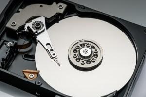 Odzyskiwanie danych z kart pamięci różnice pomiędzy darmowym programem a doświadczonym serwisem.
